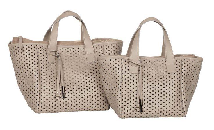 Una borsa traforata? Che ne pensate? http://www.caleidostore.it/it/borse-grandi/137-white-garnet-grande.html