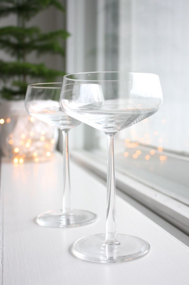 Homevialaura | champagne | Iittala Essence | christmas | christmas lights
