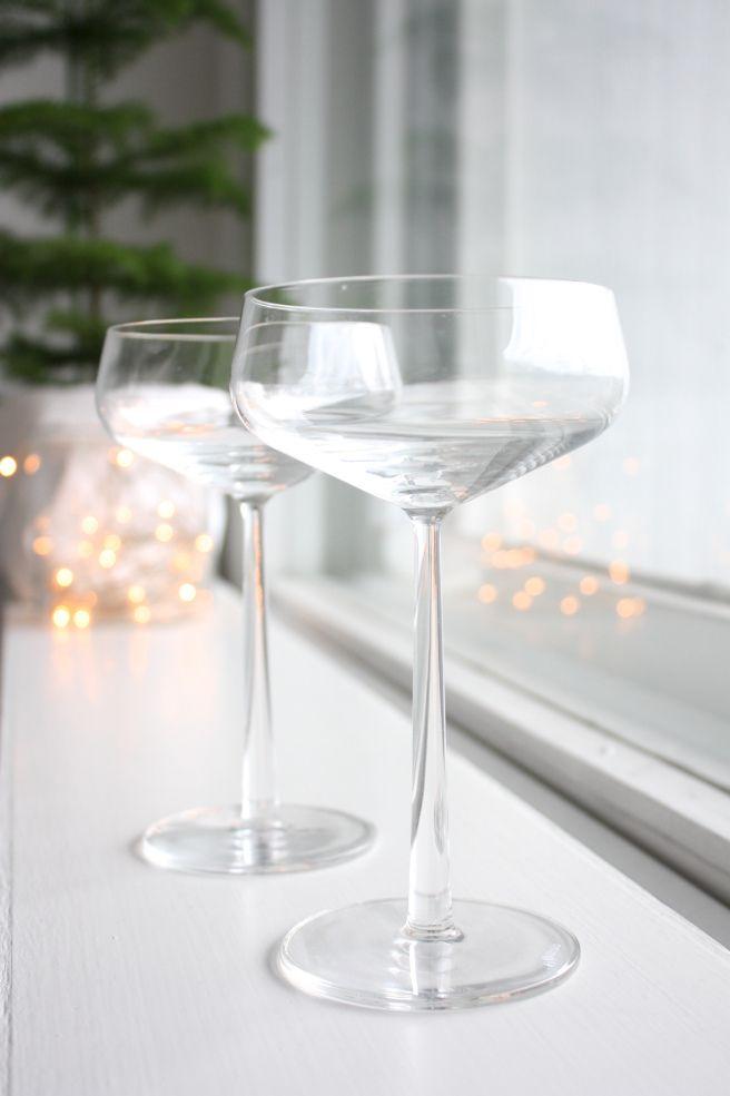 Homevialaura | champagne | Iittala Essence | christmas | christmas lights