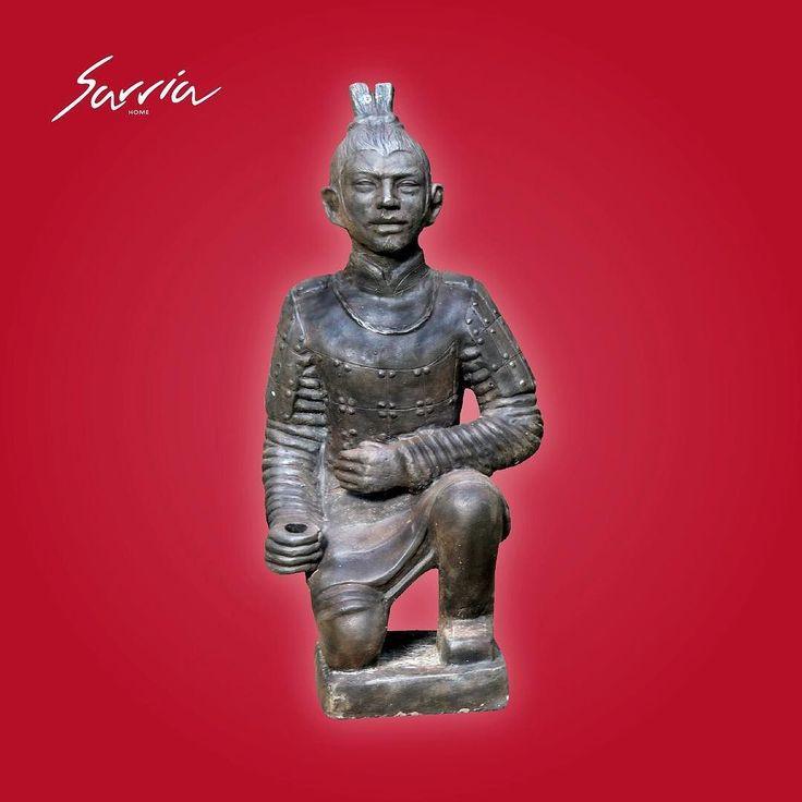 Lleva uno de los soldados de Terracota para que la paz y la purificación se centren en tu hogar además de decorarla con un objeto tan histórico.