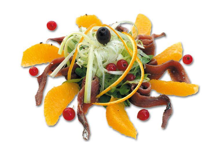 """""""Alici dissalate con valeriana ed arancia"""" dello chef Michele Frandolic del Ristorante Azzurra di Riccione (RN)  #lamadia #lamadiatravelfood #food"""