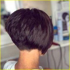 Kurzer geschichteter Haarschnitt für ältere Frauen 2019