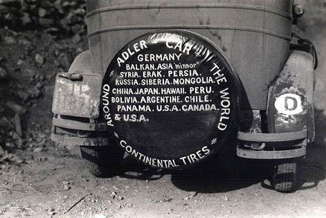 Спасибо @rgwfahrt 90 лет назад началось первое в истории #кругосветное_путешествие на автомобиле. 25 мая 1927 года из Франкфурта-на-Майне выехал автомобиль «Адлер Стандарт 6». За рулём была 26-летняя Клеренора Штиннес, дочь известного немецкого промышленника и политического деятеля Гуго Штиннеса. Так началось первое в мире кругосветное путешествие на авто. Помимо Клереноры, к тому времени уже известной автогонщицы, в составе экспедиции были шведский кинооператор Карл-Аксель Сёдерстрём и два…