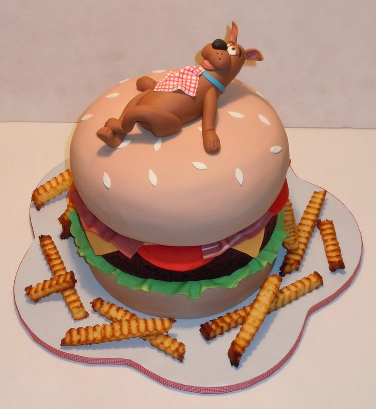 The most interesting thing is that the cake can be customized in various different styles with Scooby Doo's antics figure. Description from littlebcakes.com. I searched for this on bing.com/images