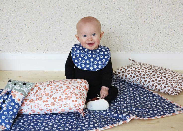 FABRiKO, bib, blanket and little pillow