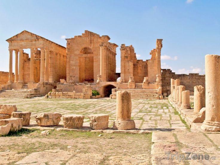 Fotka, Foto Ruiny chrámu ve městě Sbeitla (Tunisko)