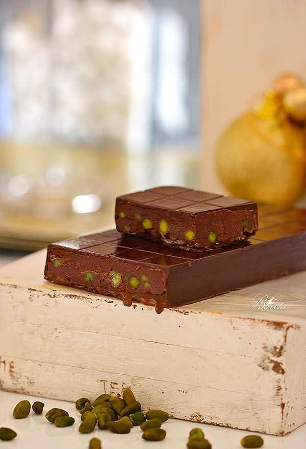 Tableta de chocolate con ganache, toffe y pistachos