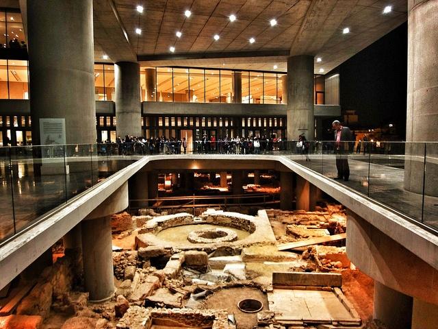 New Acropolis museum built over the excavation site.