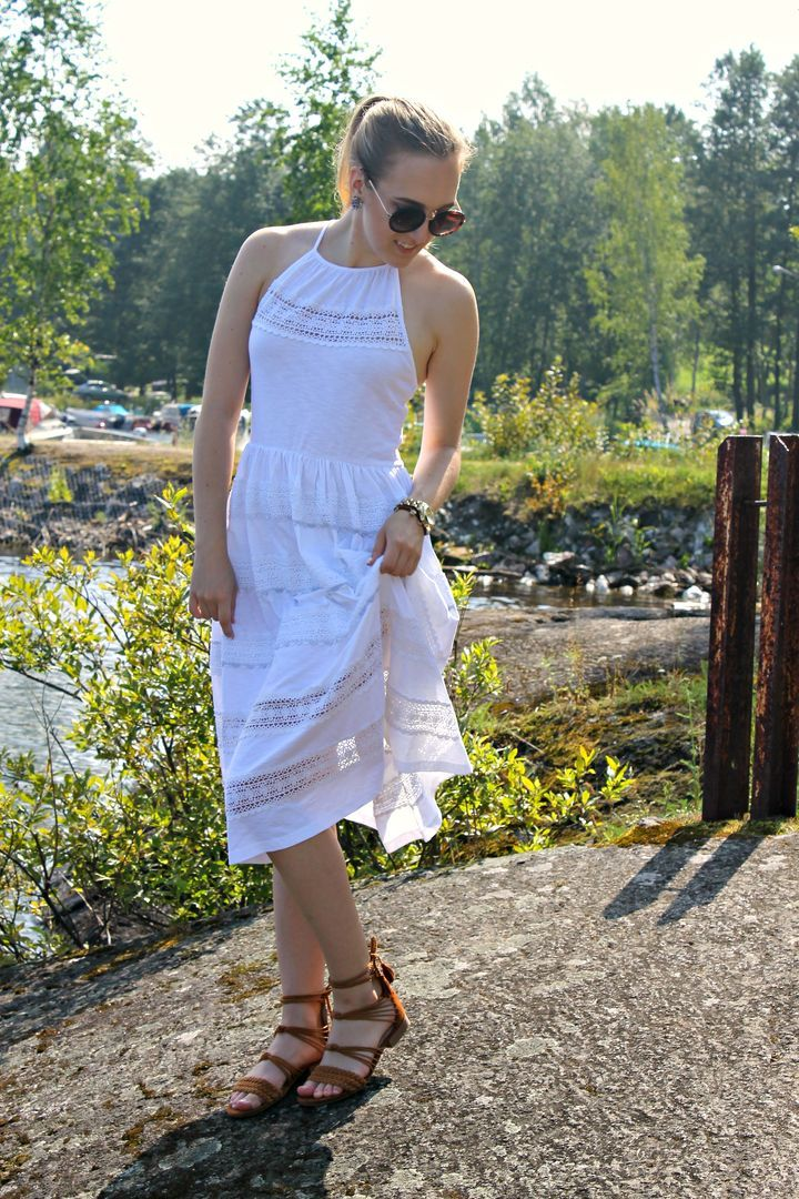 http://starbox.fi/emmaria/the-perfect-summer-dress THE PERFECT SUMMER DRESS - Starbox