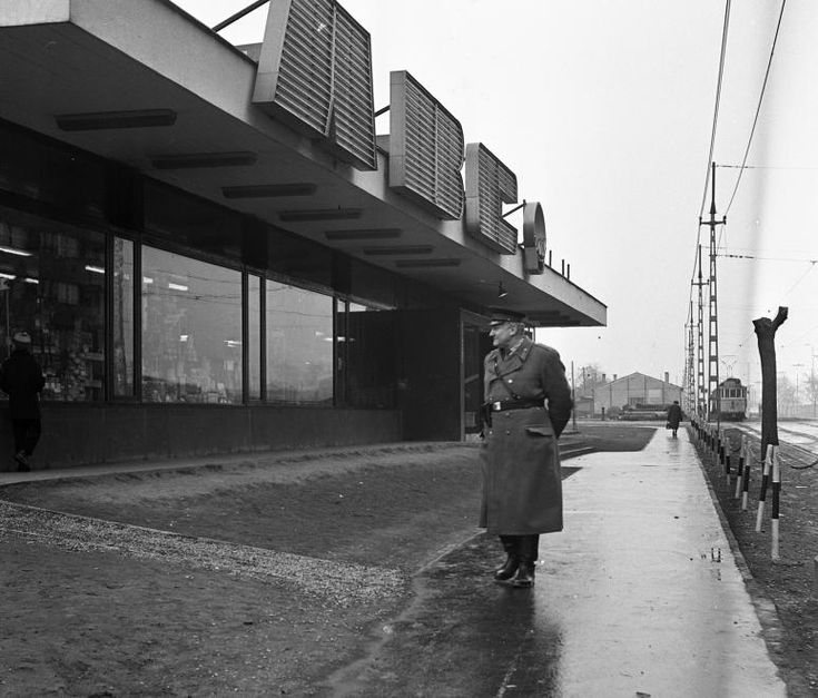 1969 - Mester utca a Haller utca (Hámán Kató út) felől a Vágóhíd utca kereszteződése felé nézve.