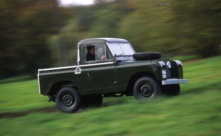 The Series II launched in 1958.     Designed by Chief Stylist David Bache, it introduced the signature curved side windows and rounded roof. #LandRover
