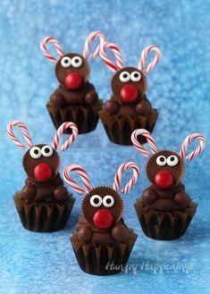 Reese's Reindeer Cupcakes...these are the BEST Christmas Treats!