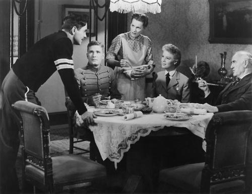 FAMILY in John Ford cinema.  The Long Gray Line (1955).  Tyrone Power, Robert Francis, Maureen O'Hara, Betsy Palmer, Donald Crisp.