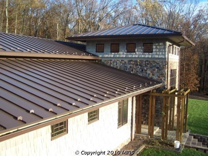 Roofing Tips From The Professionals Building A Pergola Roof Architecture Cheap Roofing