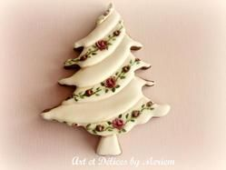 This Christmas Tree cookie is just so lovely.