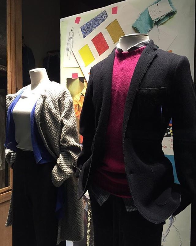 New window at 120% lino Milano Store, color cards and sketches in a special mood board.  #120percento #120cashmere #window #winter #moodboard #news #fashion #inspire #color #card #sketch #sketchbook #colours #madeinitaly #cashmere #fabric #outfit #milano
