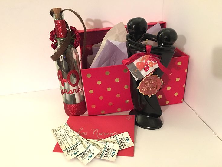 Ruby Wedding Gift Box : Ruby (40th Wedding) Anniversary Gift Box pics and contents Gift Box ...