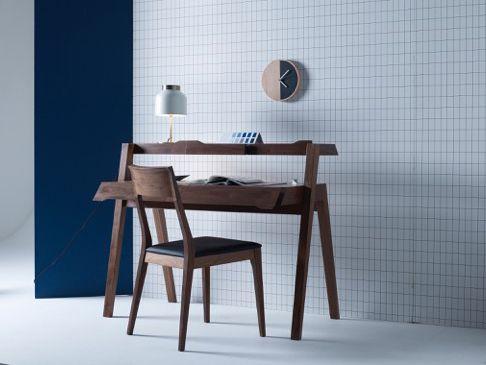 T R I C O T Table light. Designed by Venessa Eilert. White/brushed brass. Frandsen Lighting A/S. Image Heals Furniture.