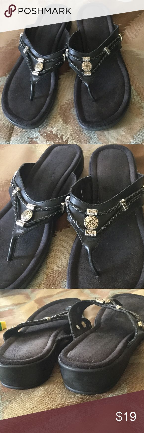 MINNETONKA SANDALS - BLACK Great sandals for your walking feet.  Black leather.  Size and brand name worn off in sole.  Size 8.5.  Definitely used condition but still very functional.  Ask for additional pics if needed.  FB0814025 Minnetonka Shoes Sandals