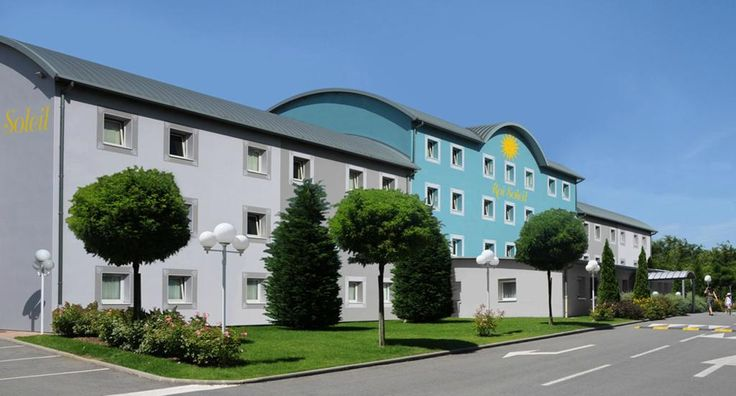 Book Hotel Roi Soleil - Holtzheim, Holtzheim on TripAdvisor: See 25 traveler reviews, 16 candid photos, and great deals for Hotel Roi Soleil - Holtzheim, ranked #1 of 1 hotel in Holtzheim and rated 4 of 5 at TripAdvisor.