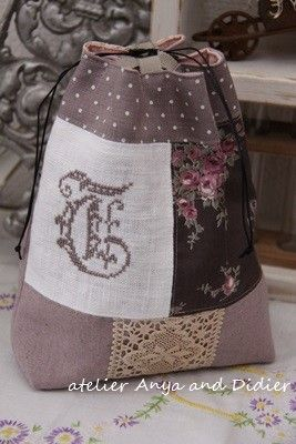 atelier Anya and Didier Pouch front