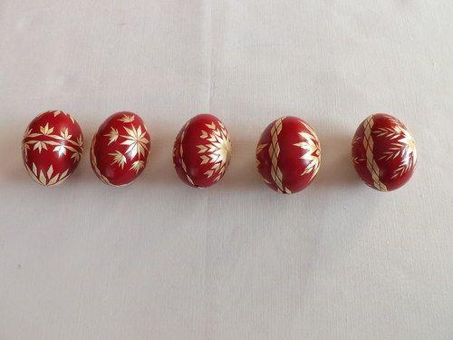 Kraslice zdobené slámou - červené
