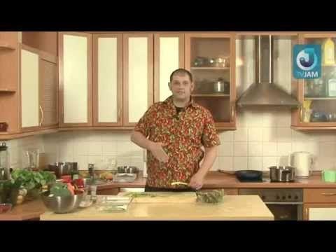 Диетический салат со спаржей, креветками и брокколи
