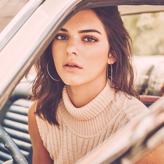 Kendall Jenner for Penshoppe | more at JENNERGALLERY