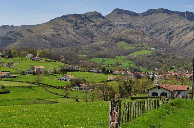 La campagne basque près de Saint-Etienne de Baïgorry,  Basse-Navarre, Pays basque, Pyrénées Atlantiques, Aquitaine, France. by byb64, via Fl...