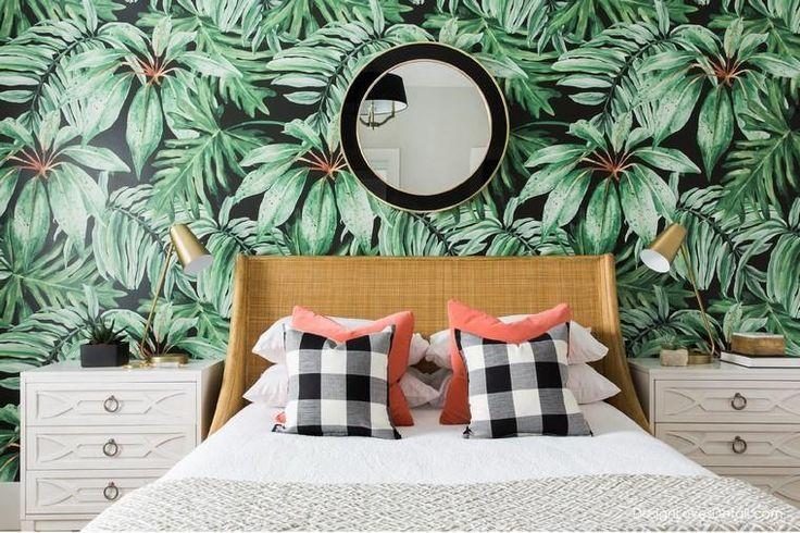 papier peint motif tropical idée déco chambre lit | Decor, Home decor, Home wallpaper