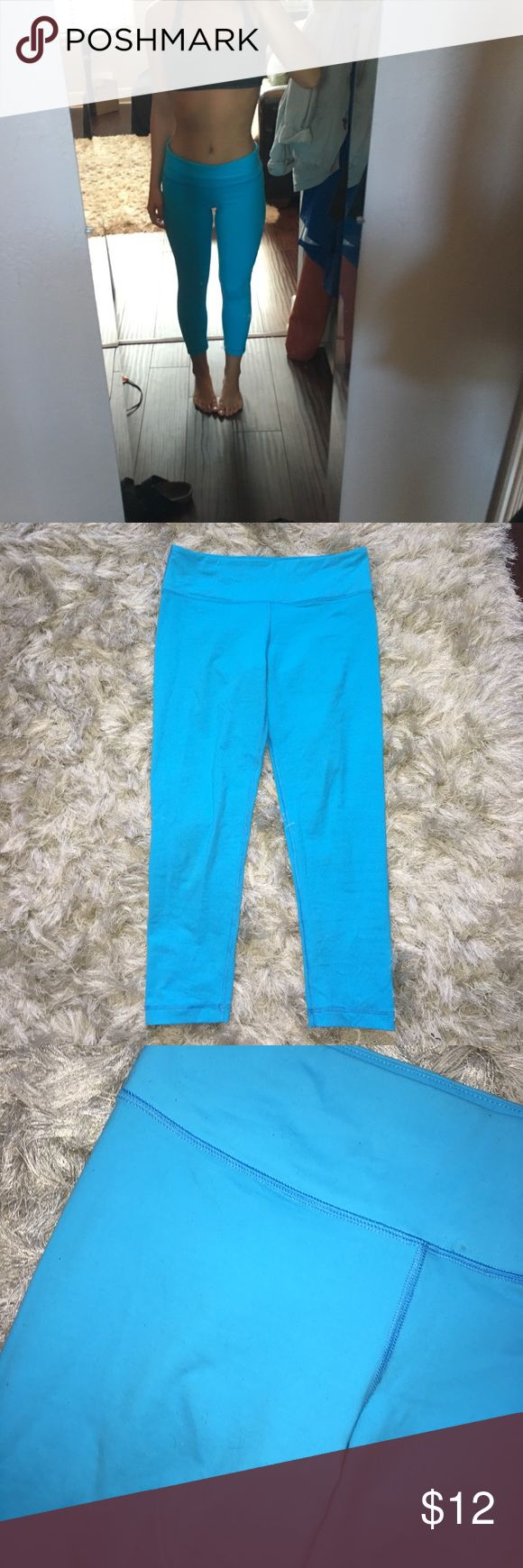 Bright blue athletic leggings SUPER comfortable super cute blue athletic leggings. Make you look tan & make your butt look great! Size small. 90 degrees by reflex is what the pants say. Pants Leggings