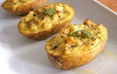 Výborné jednoduché plněné brambory, které nás naučil náš kamarád lev salónů Kósa. | Veganotic