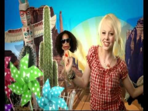 Deze zomer zingen we allemaal samen Het Ketnet Vakantielied! Charlotte en de Ketnet Kids tonen al hoe het moet.