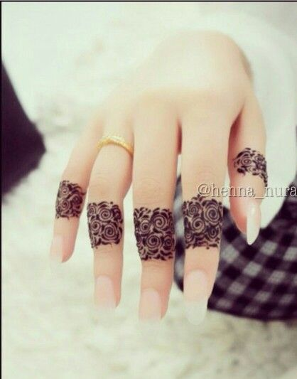 stunning fingers design