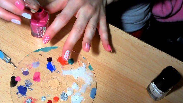 Hravé růžové nehty.