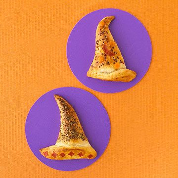 Witch hat calzones.: Witch Hats, Halloween Recipes, Halloween Food, Hat Calzones, Halloween Party, Witchhats