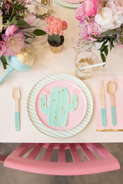 Place Setting from Kids Cinco de Mayo Fiesta Styled by One Stylish Party | Black Twine oparty #cincodemayopartyideas #fiesta #partyideas #partyplanning #party #kidsparty