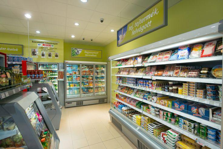 Tejtermékeink és fagyasztott árukínálatunk is megvásárolható a töltőállomáson nyílt üzletünkben.