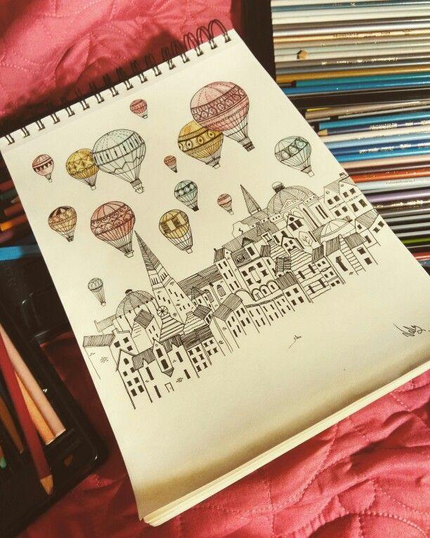 Los globos que iluminan la ciudad de colores para la sonrisa de las personas