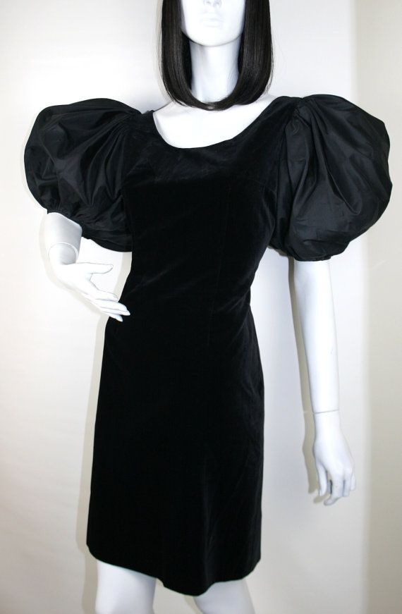 20% OFF SALE Vintage 1970s black velvet mini by Topoftheshops