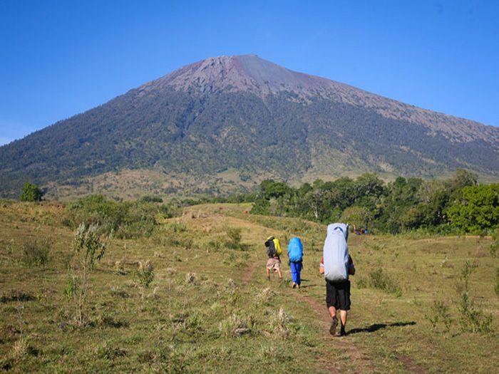 Pendakian Rinjani via Sembalun