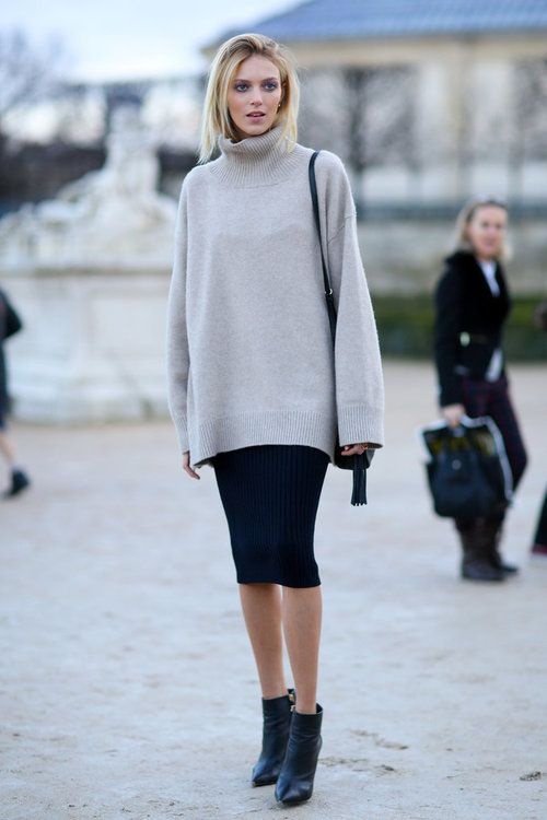 Midi skirt, heeled ankle boots and bare legs are a great way to make a comfy oversized sweater look sexy ;)