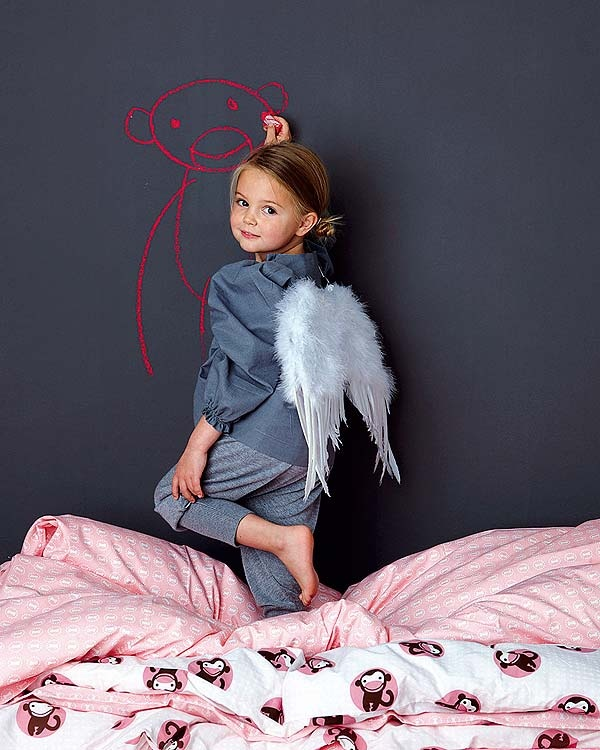 children: Children Photographyinspir, Cute Ideas, Chalk Boards, Beautiful Children, Boards Paintings, Children Angel, Case, Angel Devil, Photography Ideas