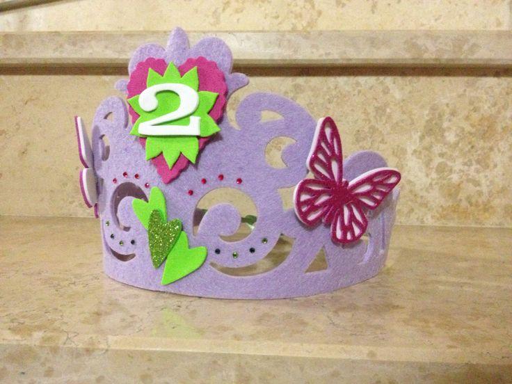 Corona feltro compleanno. Farfalle,strass,cuori