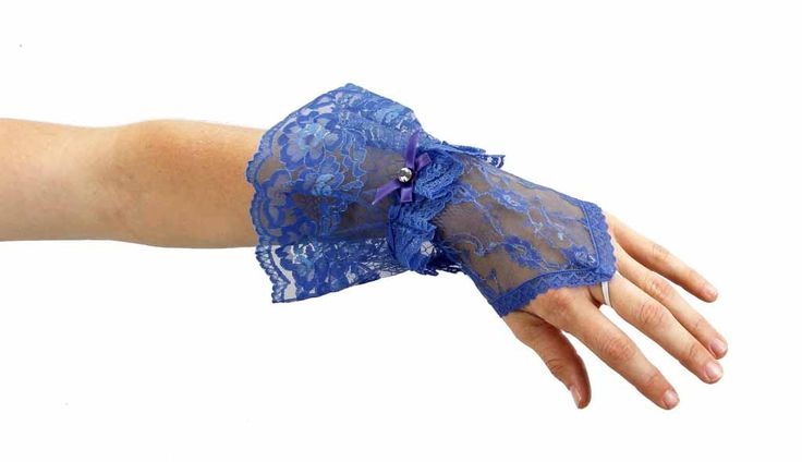 Gothic-Princess-Sheer-Lace-Fingerless-Gauntlet-Glove-with-Ruffles