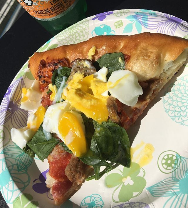 "Perfect way to spend Sunday afternoon! I love Pizza Hut ""Meat Lovers"" topped with soft boiled egg   #pizza ❤️  ピザハットのミートラバーズに、レンジで作った温泉卵のせただけだよ… みなさんラストスパート頑張ってますか?? もうすぐ素敵なオフシーズンが待ってるよ! 早くこっちにいらっしゃい〜〜笑  #ピザ #pizzahut #gainz #cheatday #cheatmeal #sundayfunday #weekend #foodporn #foodstagram #egg #yolkporn #npcbikini #sunnyday #outdoors #lunch #nofilter #fitfam #fitspo #workout #trainhard #yummy #eeeeats #nomnom #たまご #picoftheday #ランチ"