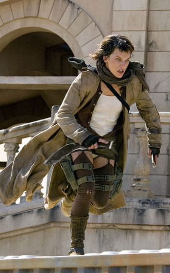 Milla Jovovich. Resident Evil: Extinction, 2007 (d. Russell Mulcahy)