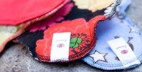 Gutscheine für Lunapads – Nachhaltige Damenhygiene-Produkte. Lunapads ist farbenfrohe, waschbare, innovative Damenhygiene: Slipeinlagen und Binden aus 100% Baumwolle. Natürlich und äußerst funktionell. Lunapads sind aus natürlichem Material, schonen unsere Ressourcen, und haben einmalige Anschaffungskosten.