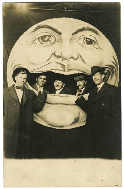 "Philosophy of Science Portal: ""It's Only A Paper Moon"""