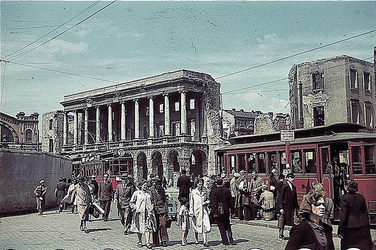 Iron-Gate Square, WW2